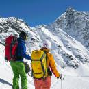 Ski- und Snowboardfahren mit einem Escort-Mann beim Action Date.
