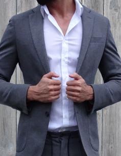 Escort-Mann und Fashionmodel Mateo aus Hildesheim ist von Frauen als männlicher Begleiter buchbar für ein Private Date, Dinner Date oder Action Date.