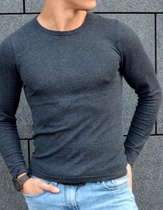 Escort-Mann und Fitnessmodel Antonio aus Stuttgart ist von Frauen als männlicher Begleiter buchbar für ein Dinner Date oder Action Date.